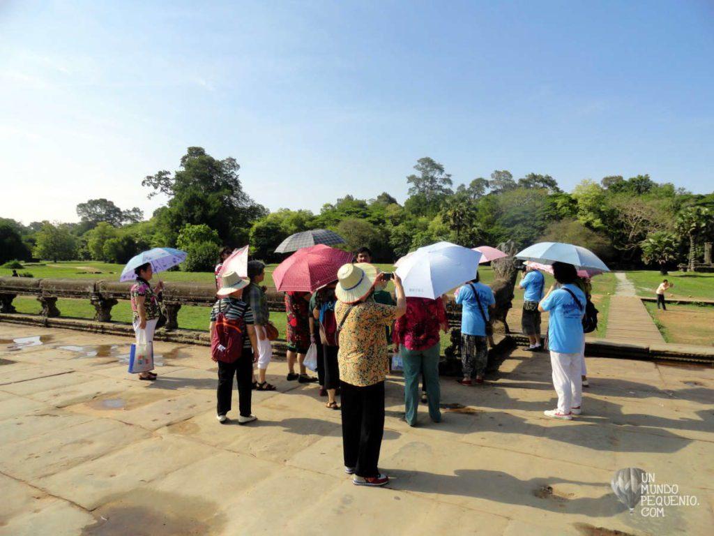 orientales con paraguas