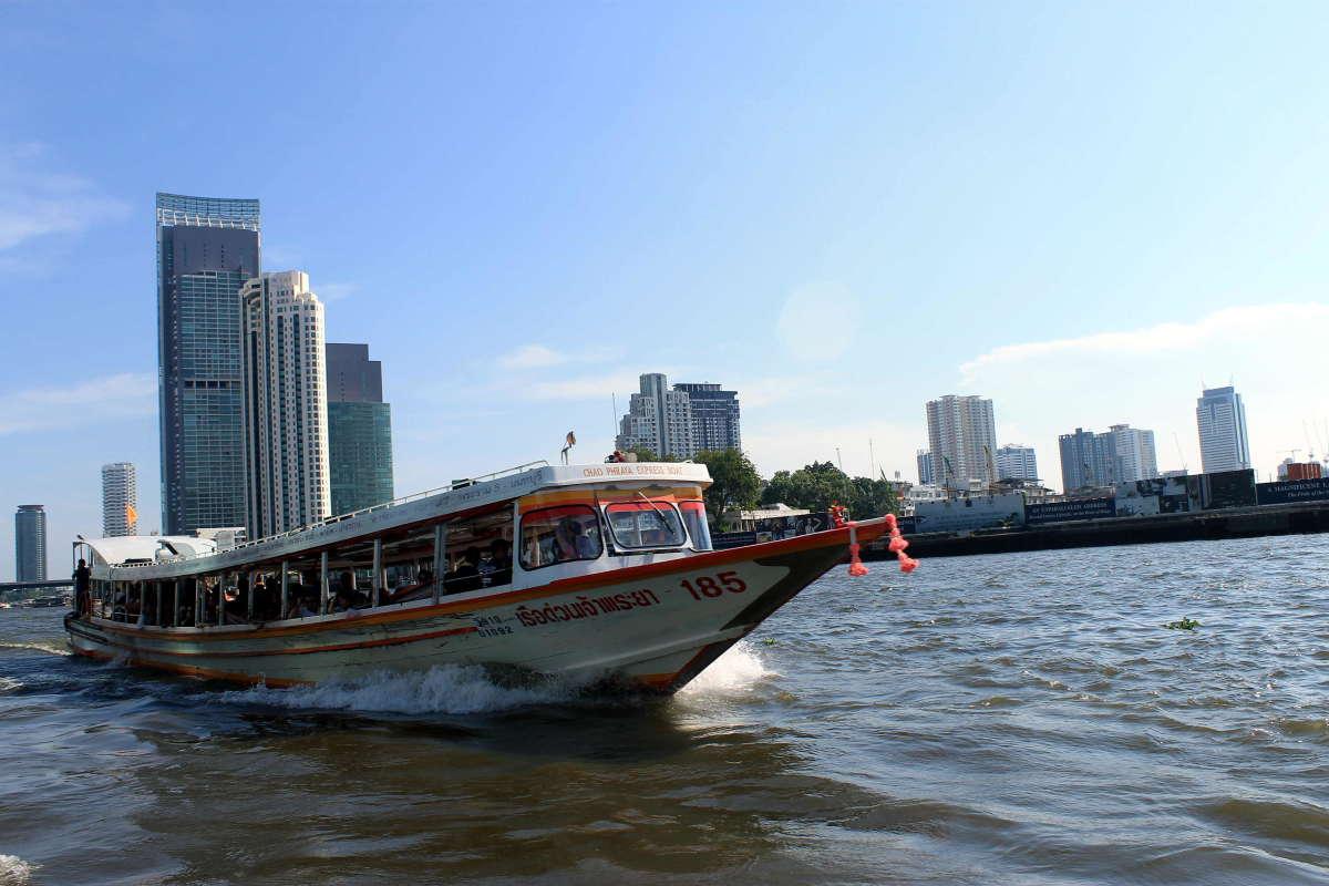Barco en Bangkok