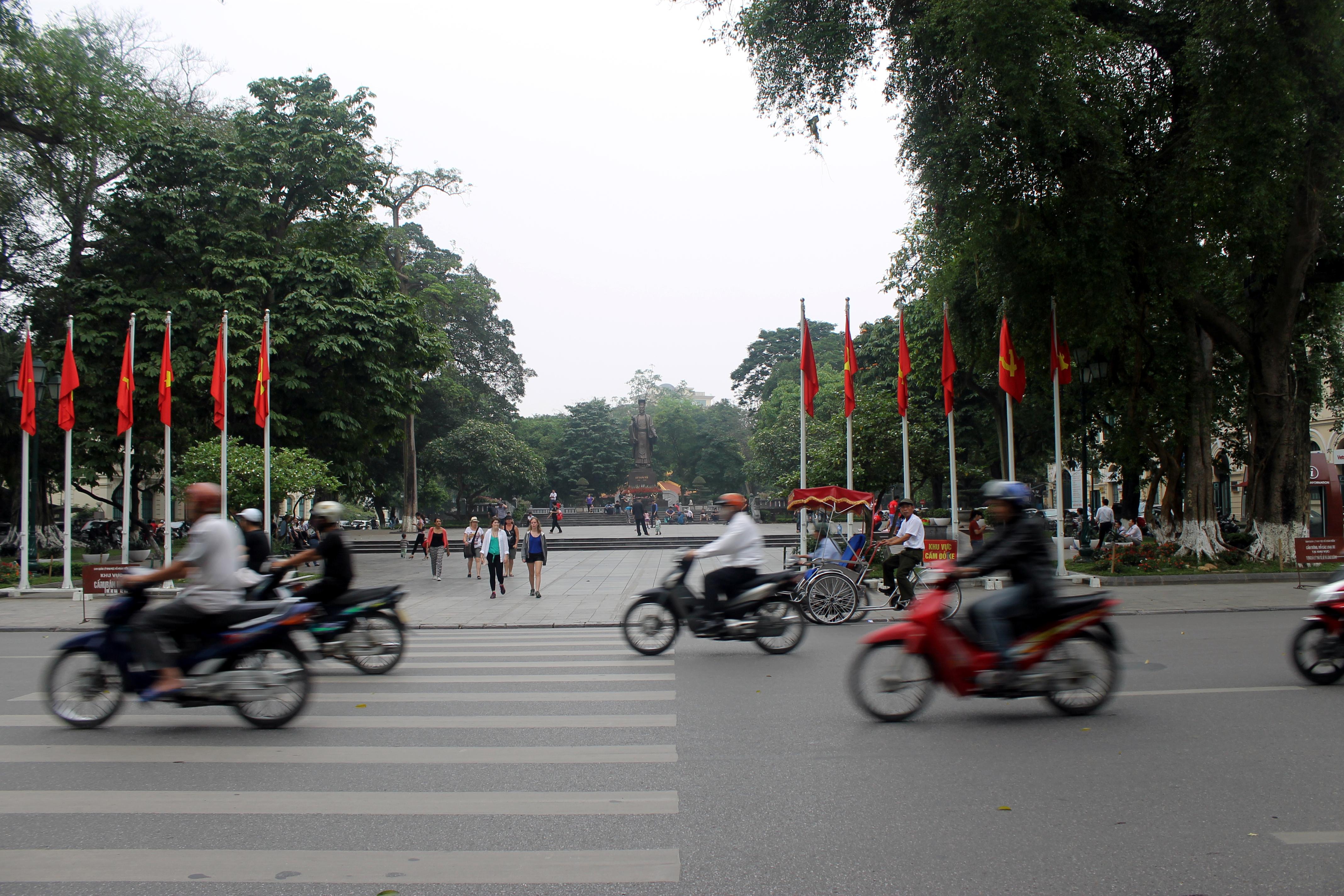 Motos en calle de Hanoi