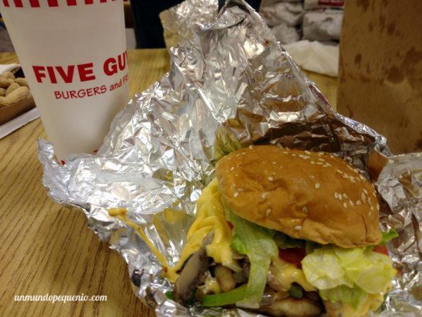 Cheddar veggie sandwich de Five Guys