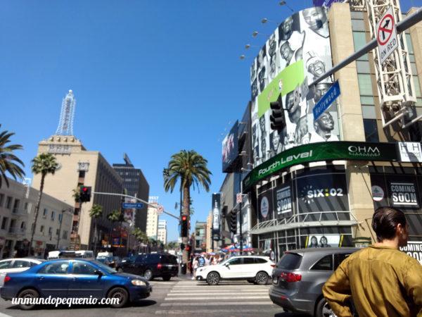 N Highland Ave y Hollywood Blvd