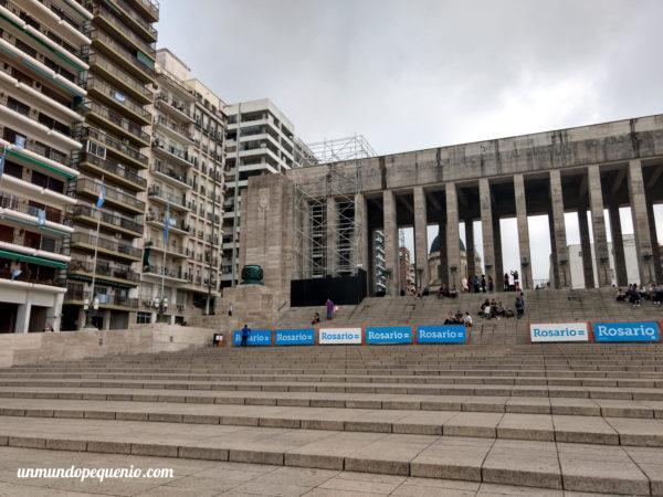 Escalinatas del Monumento a la Bandera