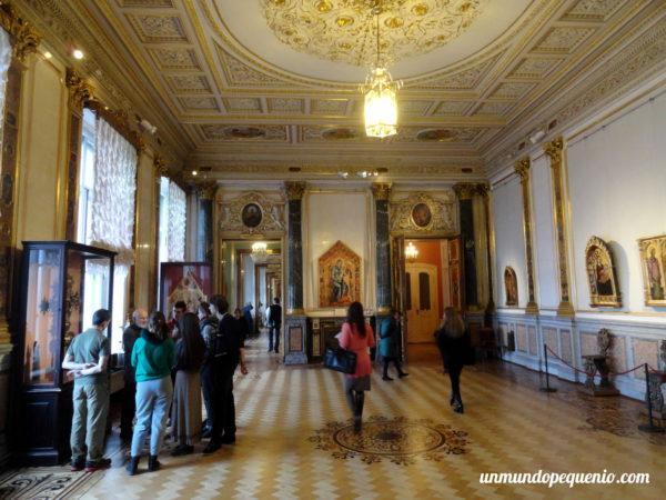 Salon decorado del Hermitage