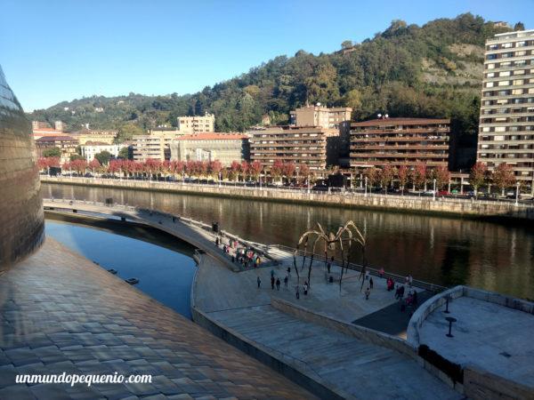 Escultura de araña en el Guggenheim de Bilbao