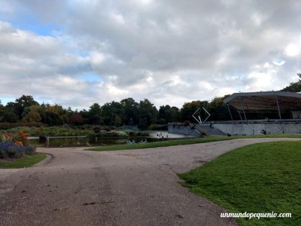 Lago del Parc Floral de Paris