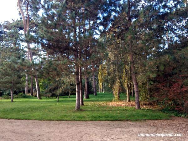 Pequeño bosque dentro del Parc Floral de Paris
