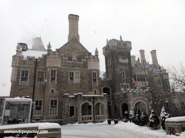 Casa Loma en invierno