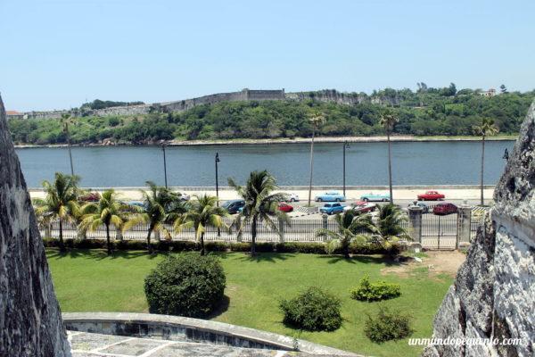 Vista de la Av del Puerto desde el castillo