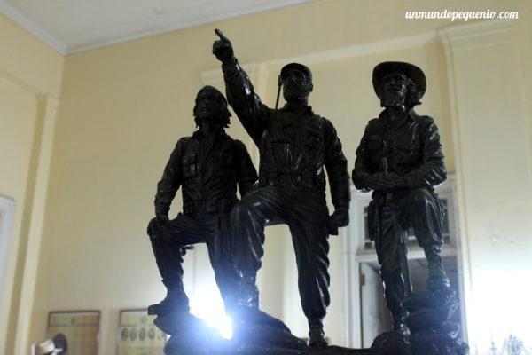 El trío revolucionario cubano