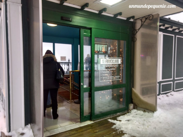 Entrada al funicular de Québec City