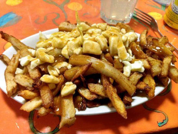 Poutine vegetariano de La Banquise