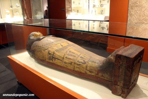 Sarcófago de la diosa Isis