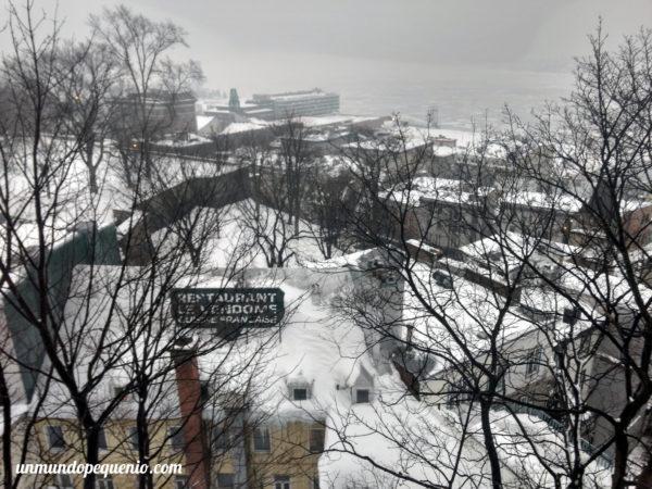 Vista nevada de Lower Québec City