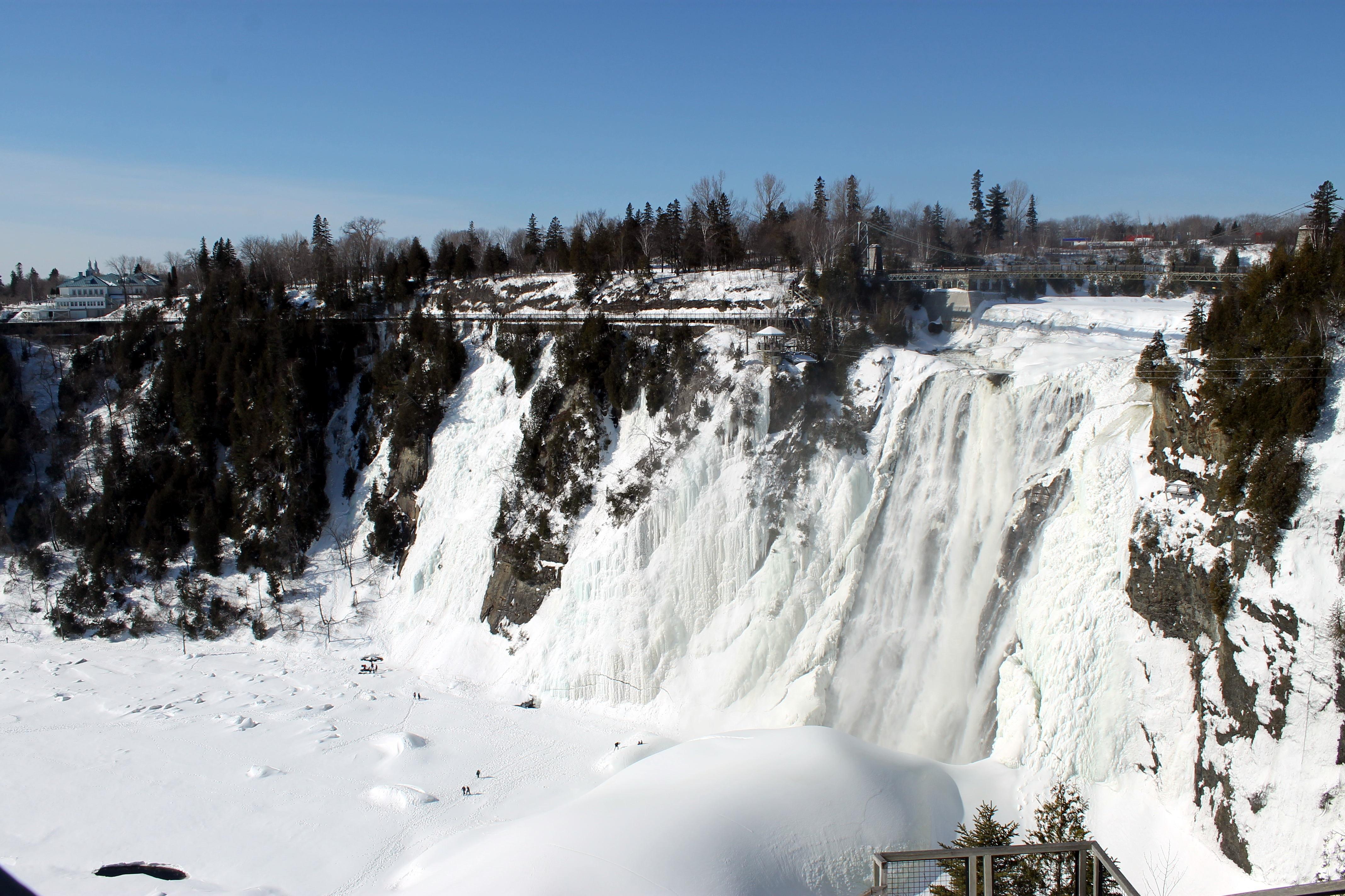 Cataratas de Montmorency en invierno