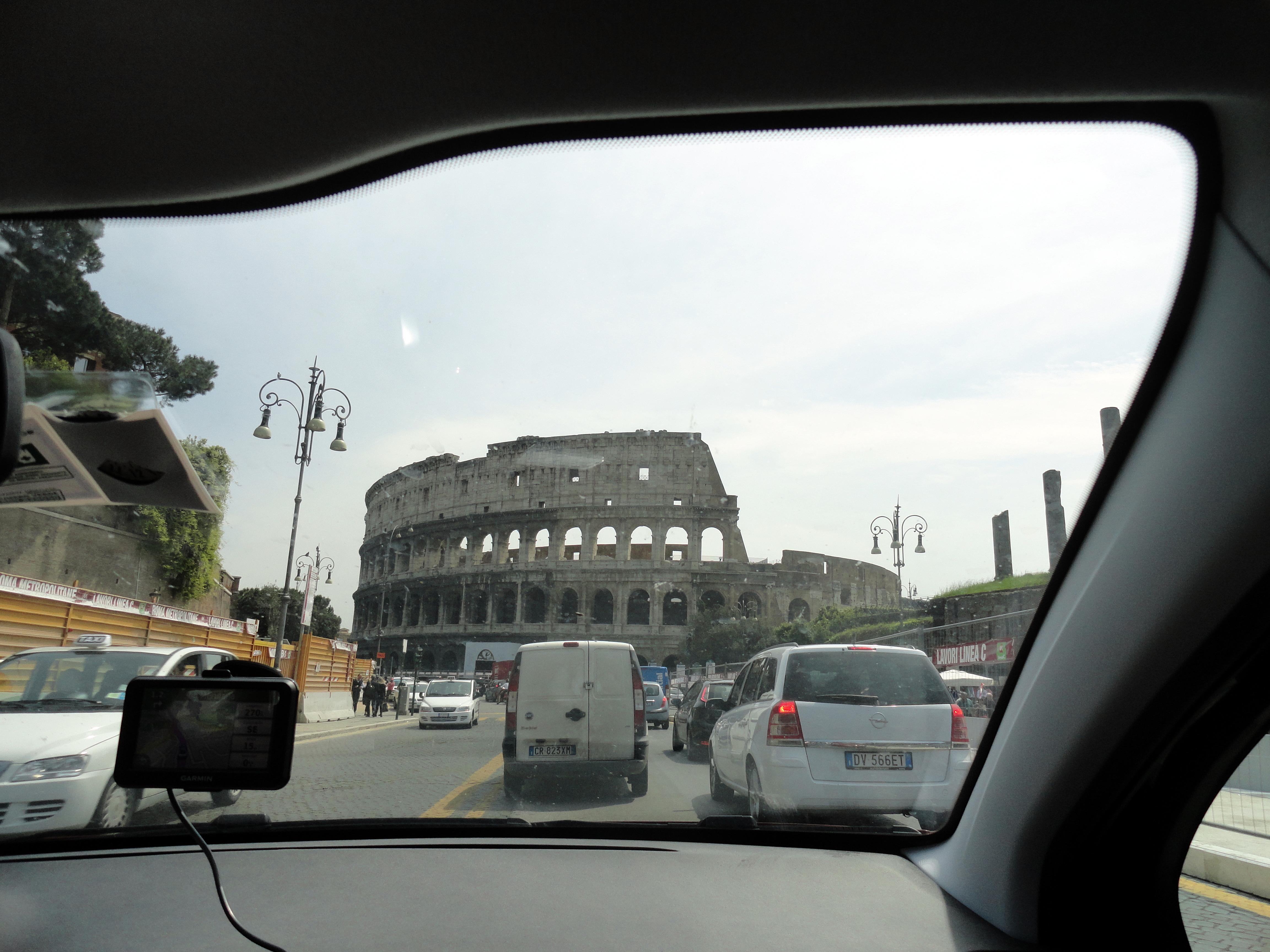 El Coliseo desde el auto