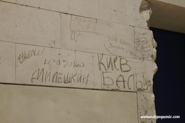 Graffitis soviéticos en el Reichstag de Berlín