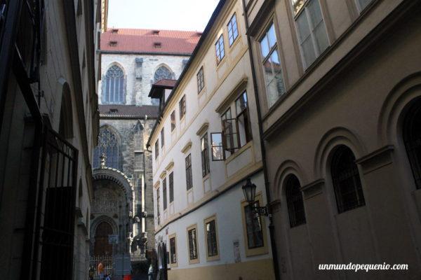 Callecita de la Ciudad Vieja de Praga