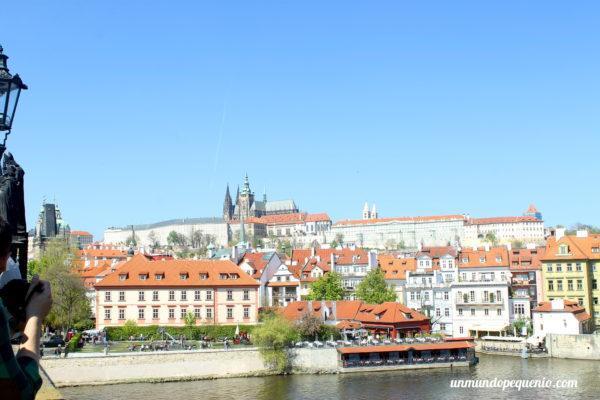 Castillo de Praga visto desde el Puente de Carlos