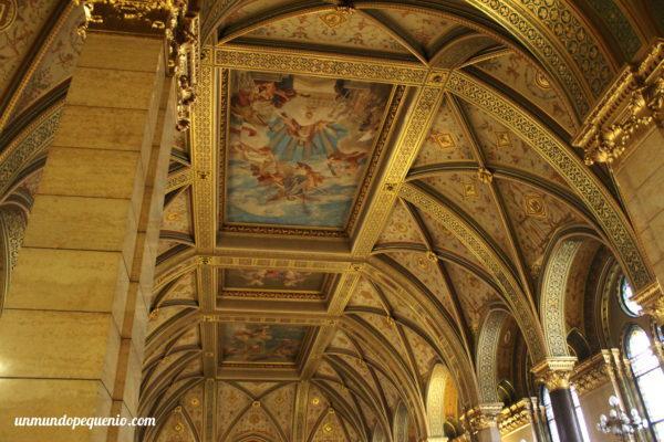 Arte en el techo - Parlamento de Budapest