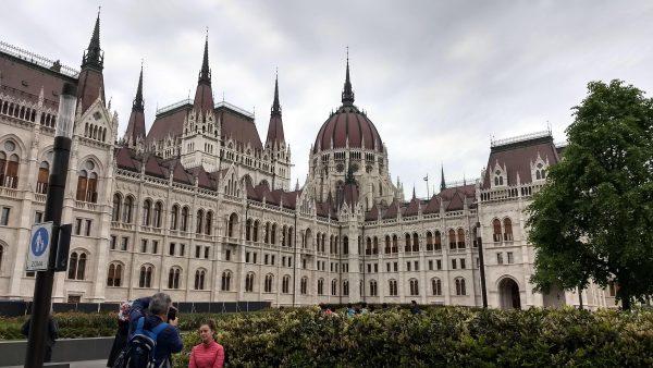 Parlamento de Budapest por fuera