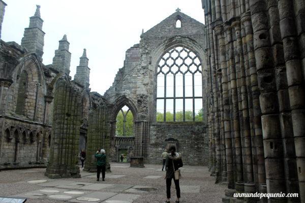 Abadía de Holyrood en ruinas