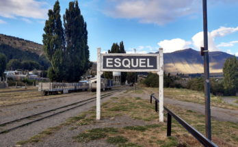 Cartel ferroviario de Esquel