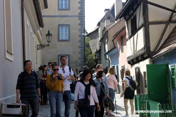 Turistas en el Callejón de Oro
