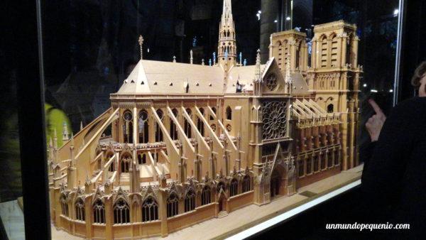 Miniatura de cómo era Notre Dame