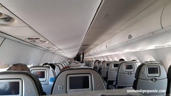 Interior de Embraer 190 Austral