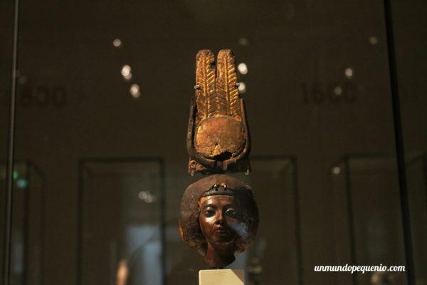 Cabeza de la Reina Teje (esposa de Amenhotep III)