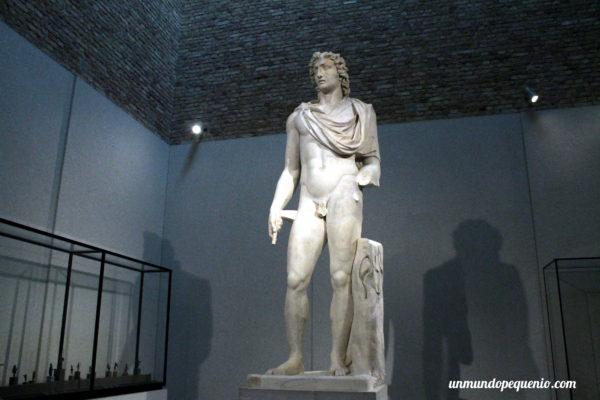 Estatua de Helios